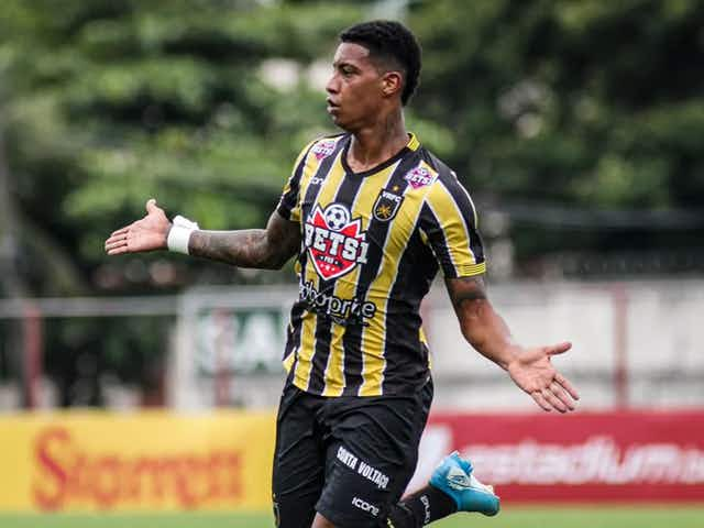VÍDEO: Com passe de Nazário, Ribamar, ex-Botafogo, marca primeiro gol pelo América-MG