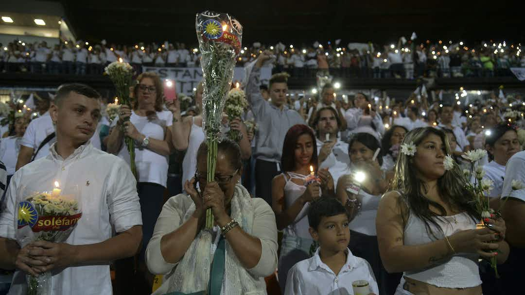 Photo of article Atletico Nacional supporters pay tribute to Chapecoense air crash victims