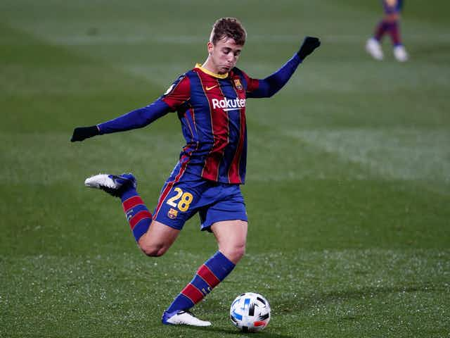 Barcelona set to offer new contract to promising La Masia midfielder