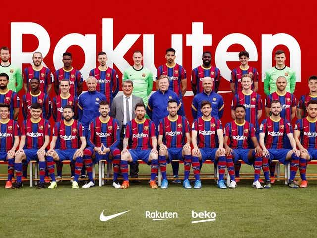 Image: Barcelona's official team photo for 2020/21