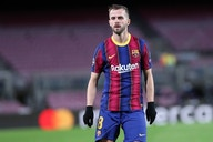 Report: Chelsea and Inter are attentive to Barcelona midfielder