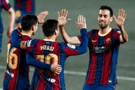 Importance of body orientation in football featuring Busquets, Pedri, and Thiago
