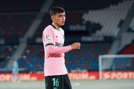 Barcelona reject enquiry from top European club for midfield prodigy – report