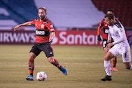 Flamengo volta ao Rio e mostra fome por títulos: 'Querendo sempre mais'