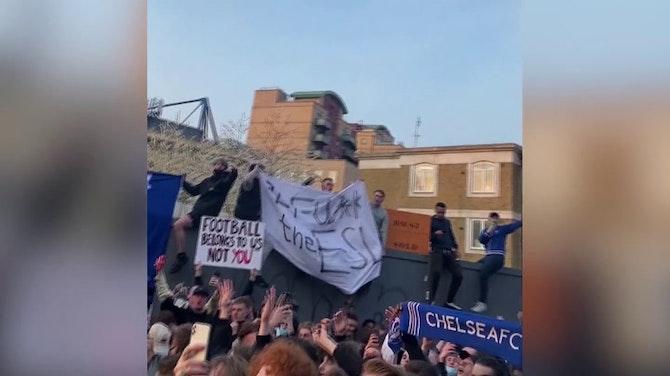 """Chelsea - """"Nous avons sauvé le football"""" chantent les supporters"""