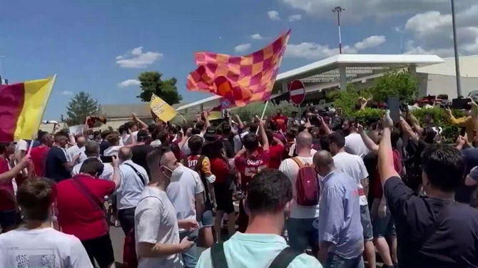 Preview image for Roma fans welcome Mourinho