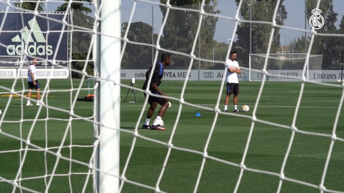 Preview image for David Alaba completes his first Real Madrid training session