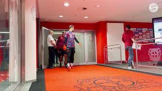 Image d'aperçu pour Les coulisses de la victoire du Bayern contre Leverkusen