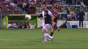 Vorschaubild für Zu viel gefeiert? Meister Juve blamiert sich in Cagliari | DAZN Highlights