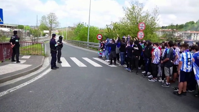 Preview image for Real Sociedad fans welcome team home after Copa del Rey triumph