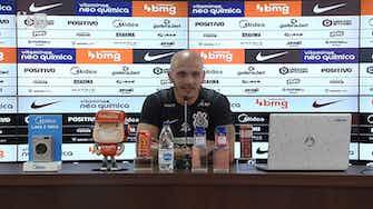 Imagem de visualização para Fábio Santos fala sobre pressão em Sylvinho e vê elenco do Corinthians 'blindado'