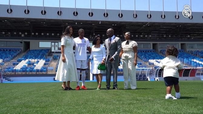Imagen de vista previa para Detrás de Cámaras: Presentación de David Alaba como jugador del Real Madrid