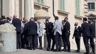 Anteprima immagine per De Rossi e i problemi con la cravatta al Quirinale