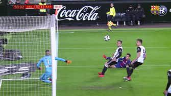 Preview image for Philippe Coutinho's first FC Barcelona goal against Valencia