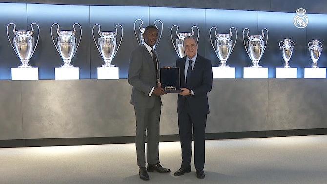 """Imagem de visualização para Alaba é apresentado no Real Madrid: """"orgulhoso por vestir essa camisa"""""""
