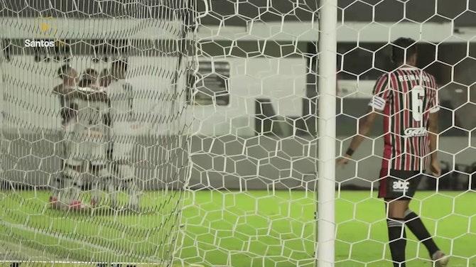 Preview image for Santos beat São Paulo at Vila Belmiro
