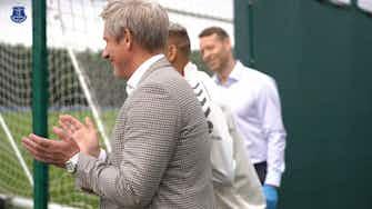 Imagem de visualização para Richarlison é recebido com festa no Everton após ouro olímpico