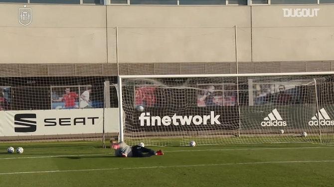 Imagen de vista previa para Golazos de Gonzalo Villar en el entrenamiento de España Sub-21