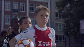 Vorschaubild für Ajax unglaubliches Video vor dem Champions-League-Auftakt