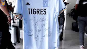 Imagen de vista previa para El bonito gesto de Ofelia Solís con dos jóvenes aficionados de Tigres