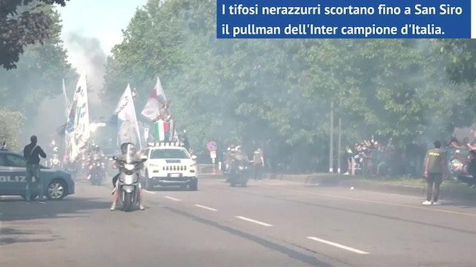 Anteprima immagine per San Siro, i tifosi scortano il pullman dell'Inter
