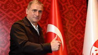 """Vorschaubild für """"Bringen Sie uns nach Katar"""": Türkische Presse feiert Kuntz"""