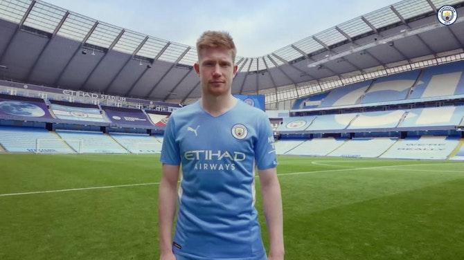 Vorschaubild für Manchester City unveil 2021-22 home kit