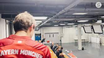 Vorschaubild für Hinter den Kulissen: Bayerns Mannschaftsfoto
