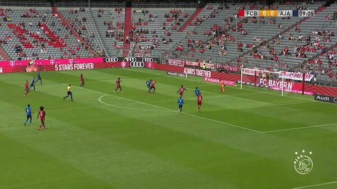 Image d'aperçu pour Le match nul entre l'Ajax et le Bayern Munich en amical