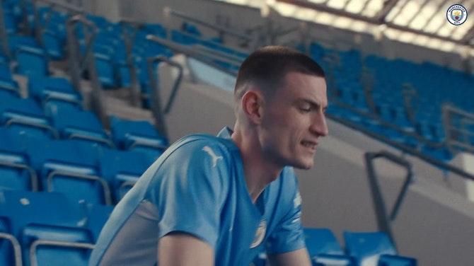 Image d'aperçu pour Manchester City dévoile son maillot domicile 2021/2022