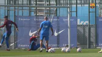 Vorschaubild für FC Barcelona's international stars return to training