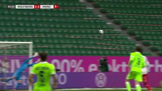 Brasileiro do Wolfsburg marca golaço contra o Mainz