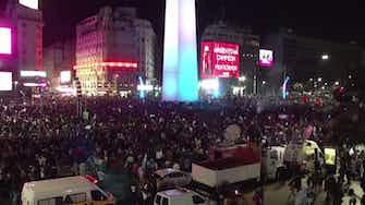 Image d'aperçu pour Finale - Les supporters argentins en folie jusqu'au bout de la nuit