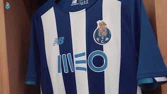 Image d'aperçu pour Le FC Porto révèle son maillot domicile 2021-22