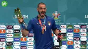 Image d'aperçu pour Bonucci boit de la Heineken et du Coca-Cola après avoir contribué à la victoire de l'Italie sur l'Angleterre
