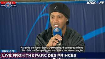 Imagem de visualização para Ronaldinho volta ao Parc des Princes e é ovacionado por torcida do PSG