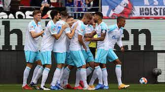 Vorschaubild für 3:0 in Kiel: Schalke gewinnt erstes Zweiligaspiel seit 30 Jahren
