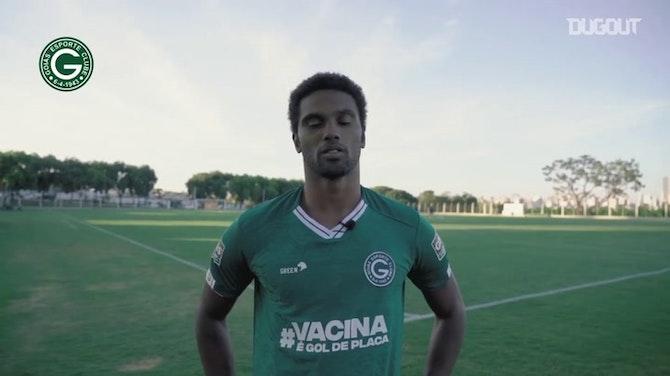 """Imagem de visualização para Bruno Mezenga comemora chegada ao Goiás: """"Grande clube"""""""