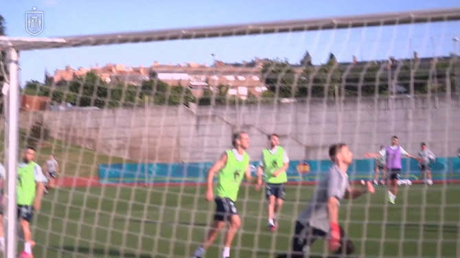 Great goals in training as Spain prepare to face Poland