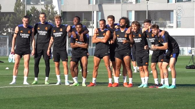 Imagen de vista previa para Toni Kroos, Luka Modrić, Gareth Bale y Raphaël Varane, regresaron a los entrenamientos con el Real Madrid