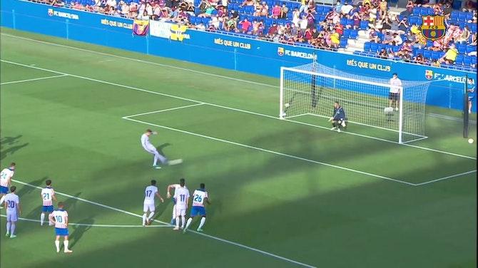 Image d'aperçu pour Memphis Depay marque son premier but avec Barcelone