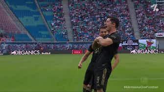 Imagem de visualização para Robert Lewandowski with a Penalty Goal vs. RB Leipzig