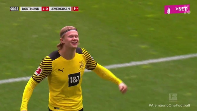 Haaland maca para o Borussia contra o Bayer