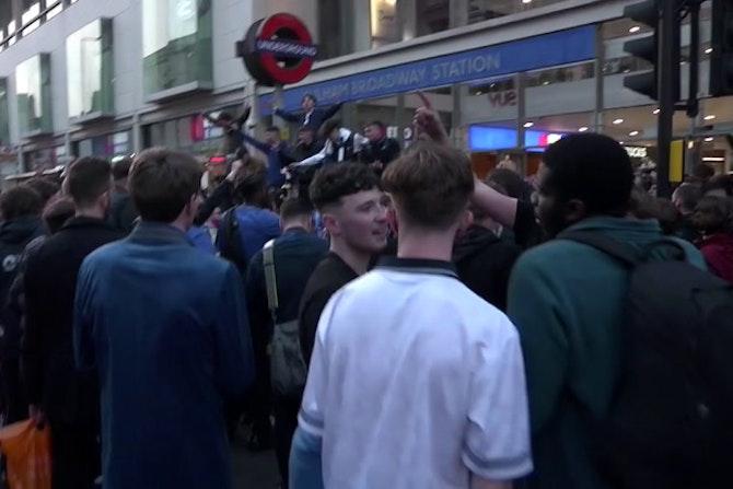 Chelsea fans protest as European Super League unravels