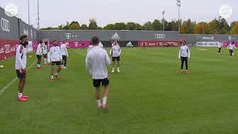 Image d'aperçu pour Le dernier entrainement du Bayern avant Benfica