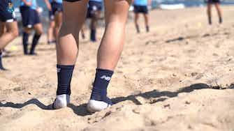 Vorschaubild für FC Porto stars work on the beach
