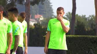 Anteprima immagine per Allenamento Inter: i baci di Kolarov e Zanetti se la ride…