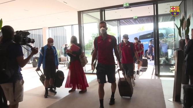 Vorschaubild für FC Barcelona arrive in Germany