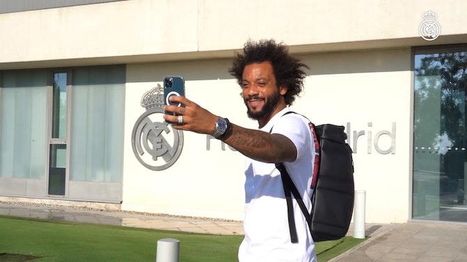 Vorschaubild für Behind The Scene: Marcelo takes Real Madrid's accounts