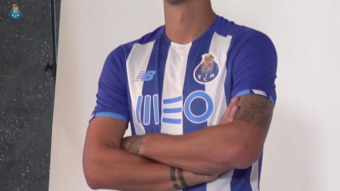 Preview image for Behind the scenes: FC Porto's 2021-22 photoshoot
